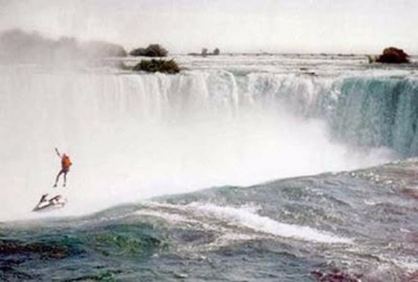 Niagara Falls Parachuting Nightmare