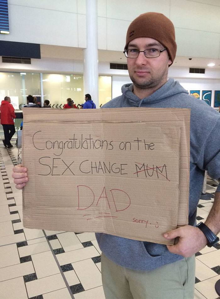 Funny Creative Airport Greeting Signs That Impossible to Miss [85 pics]