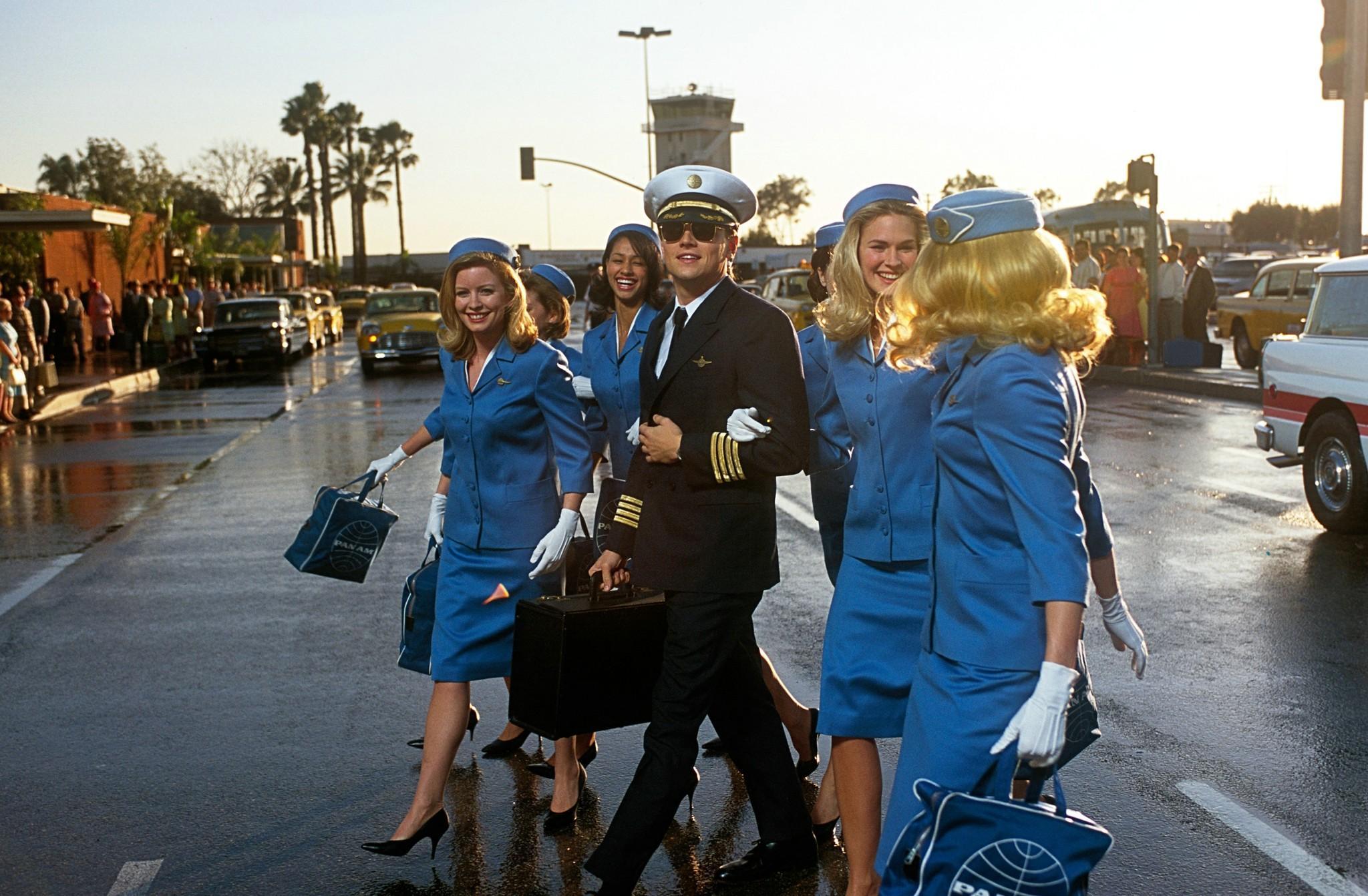 leonardo dicaprio pilot frank abagnale jr wanted criminal